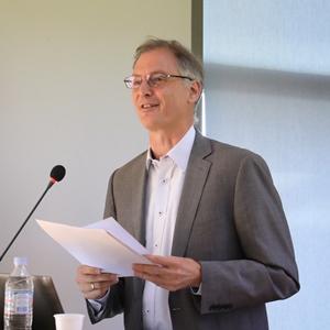 Ansgar Joedicke, Senior researcher from University of Freiburg/Switzerland gives talk at AUA